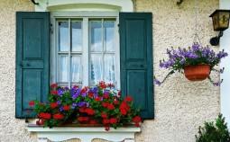 Принцип изготовления и установки ставней на окна из дерева