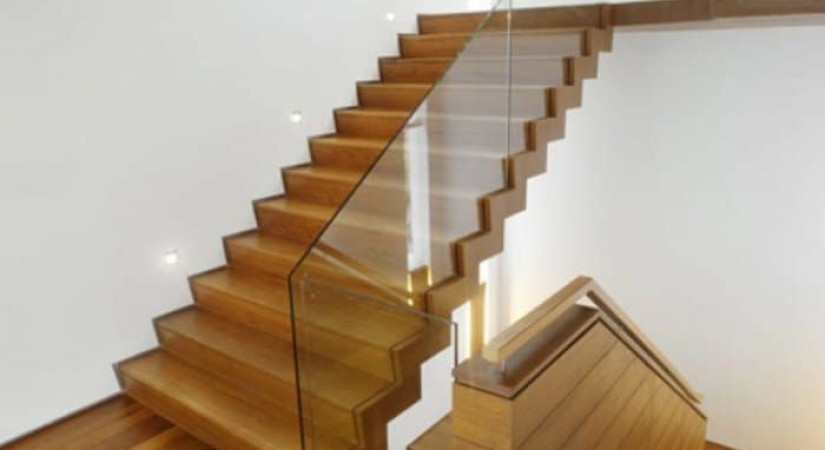 лестница стекло дерево