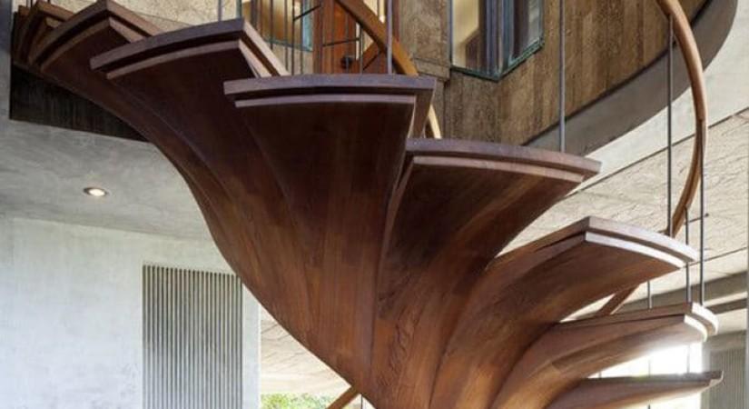 Монолитный косоур со ступенями