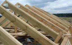 Конструкция стропильной системы простой двухскатной крыши