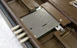 Как правильно установить замок в металлическую входную дверь