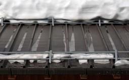 Как правильно установить снегозадержатели на крышу своими руками