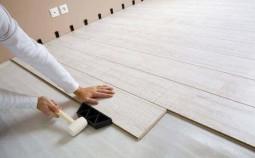 Как стелить ламинат на бетонный пол?