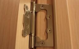 Грамотная установка врезных и накладных петель на межкомнатные двери
