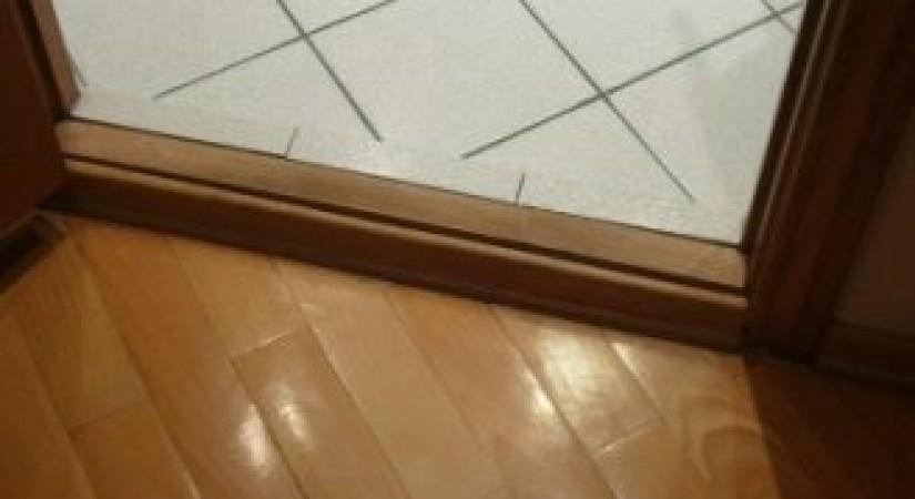 Выбор и установка межкомнатных дверных порогов
