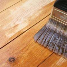 Как и чем покрасить пол из дерева в доме