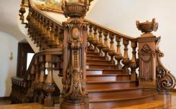 Особенности деревянных лестниц из дуба
