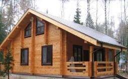 Технологии строительства домов из бруса: плюсы, минусы, этапы