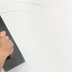 Как и чем оштукатурить стены в ванной под плитку и окраску?