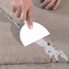 Как отремонтировать бетонные ступени лестницы?