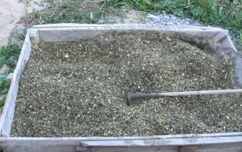 Смесь опилок с цементом