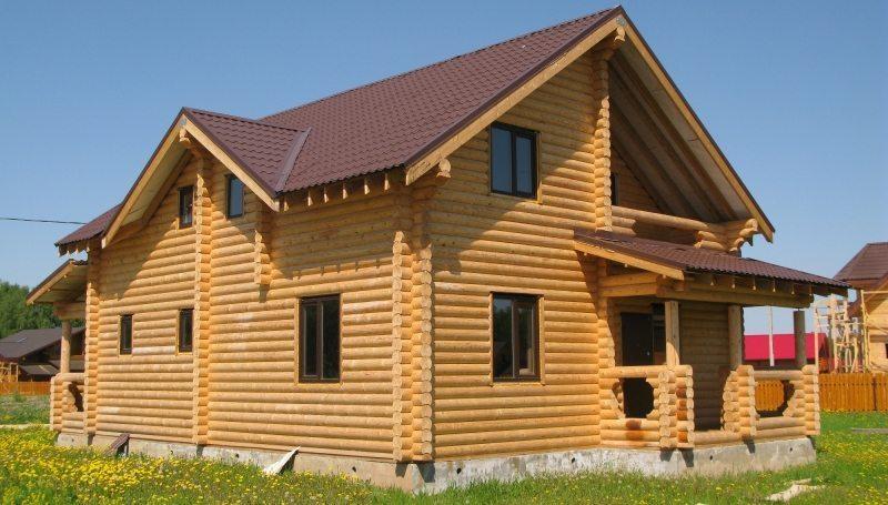 Какой фундамент лучше для дома из бревен