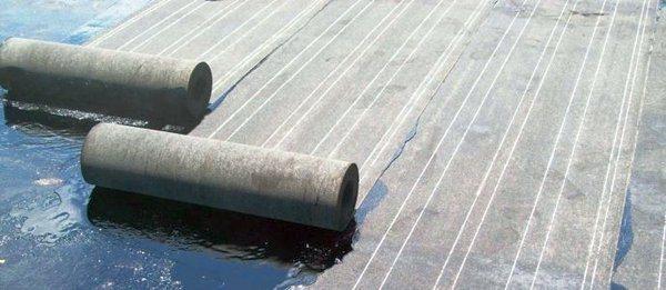 Укладка рулонов на крыше