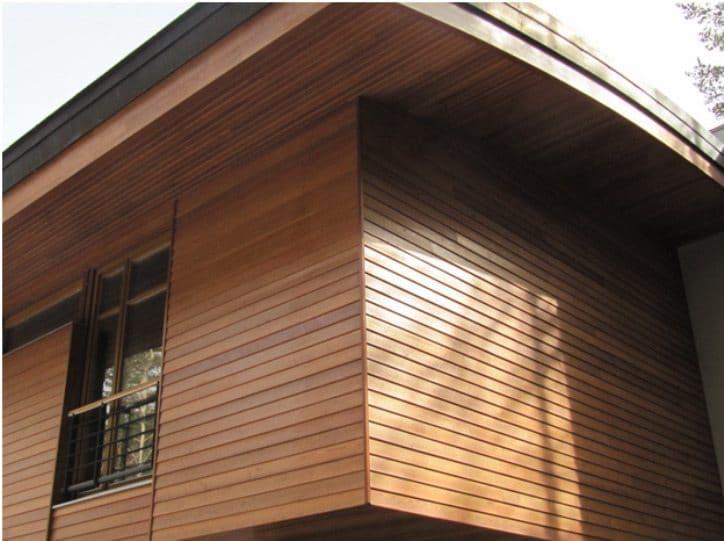 Чем лучше обшить большой деревянный дом