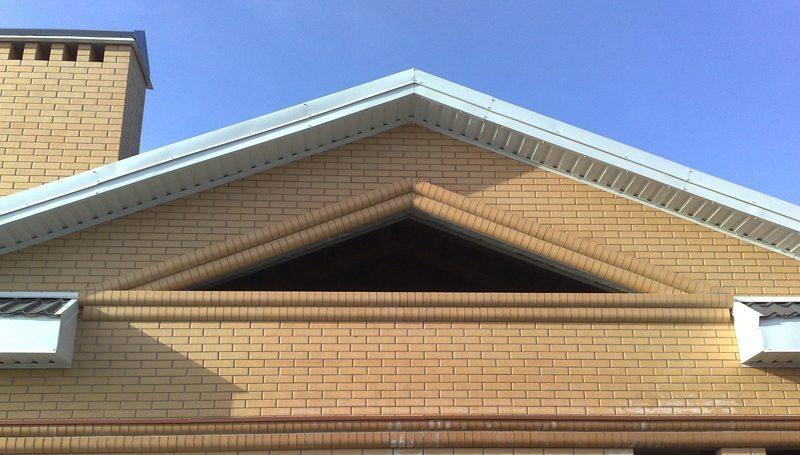 Как сделать фронтон двухскатной крыши — несколько вариантов строительства