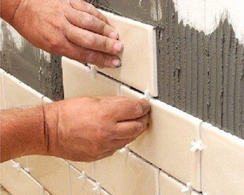 Укладка плитки своими руками на стену