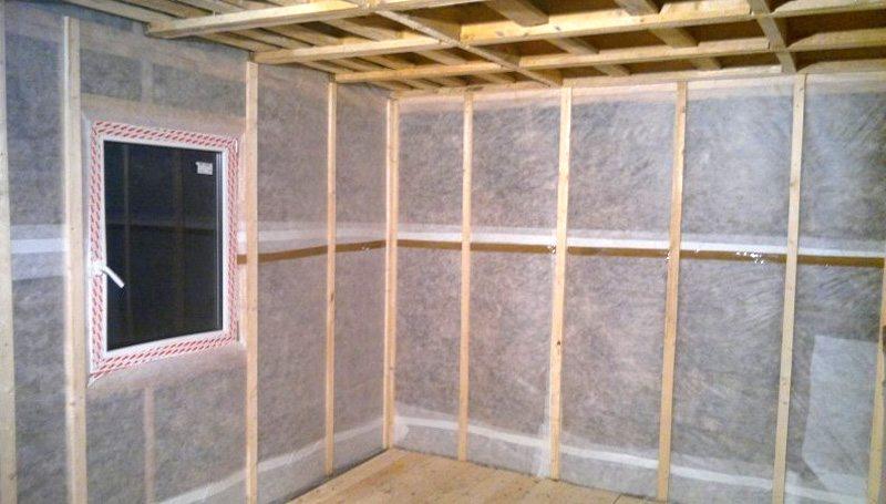 Какую пароизоляцию выбрать для стен внутри дома?