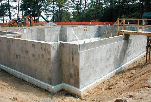 Монолитные стены подвала