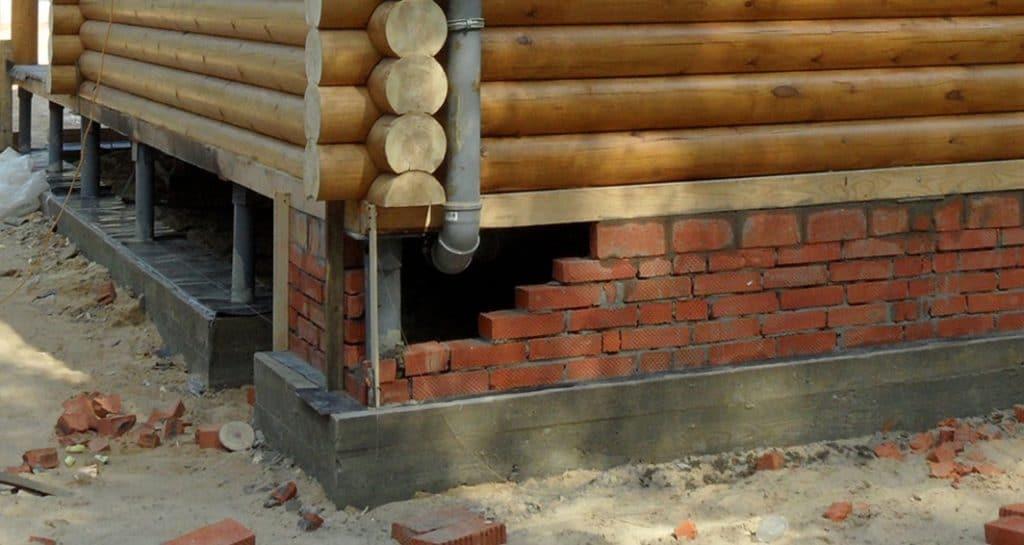 Цоколь у деревянного дома как сделать