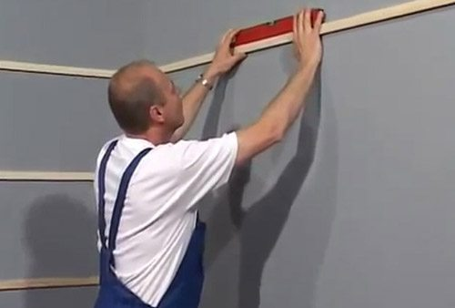 Отделка потолка и стен пластиковыми панелями