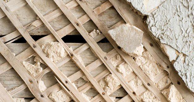 Оштукатуривание деревянной стены