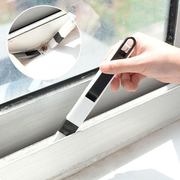 Очищение окна от пыли