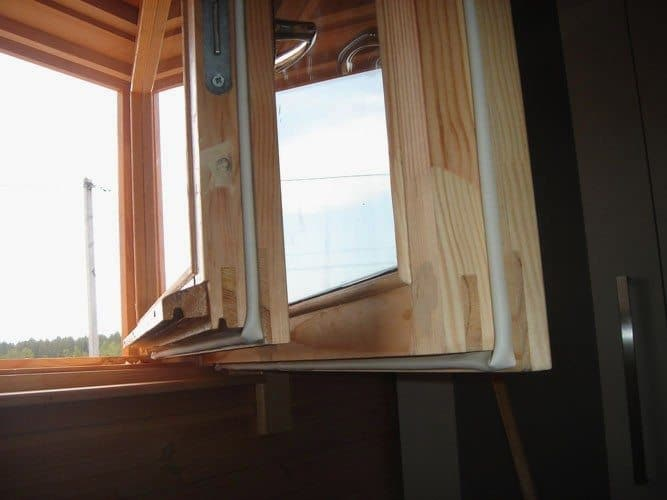 Уплотнительная резинка для деревянных окон