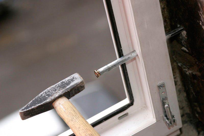 Монтаж окна на анкеры