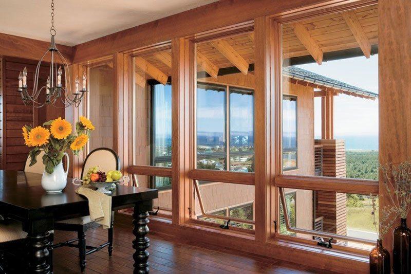 Окна в деревянном доме от пола