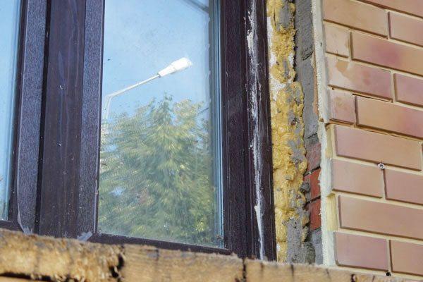 Подготовка проема окна к монтажу откосов из металла