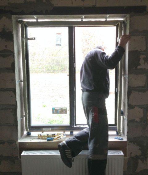 Монтаж окна в проем