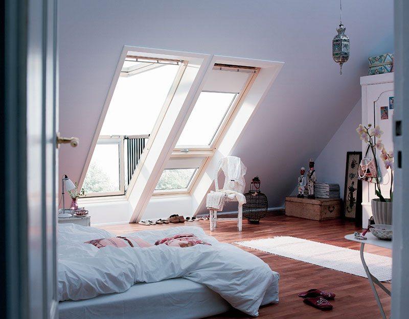 Мансардное окно с большой поверхностью