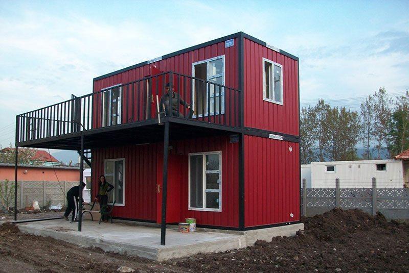 Двухэтажный дом из блок-контейнеров