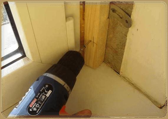 Установка деревянного бруска