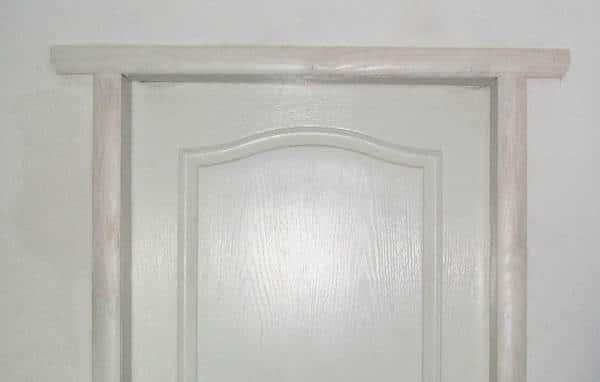 Наличник дверной с имитацией перемычки
