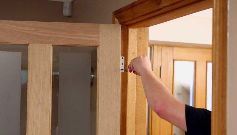 Восстановление межкомнатных дверей своими руками 78