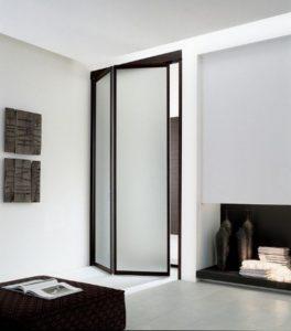 Складная дверь с матовым стеклом