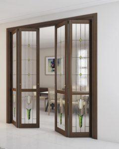 Складная дверь со стеклом и орнаментом