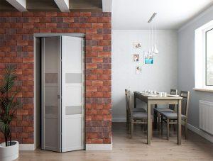 Складная дверь в кирпичной стене