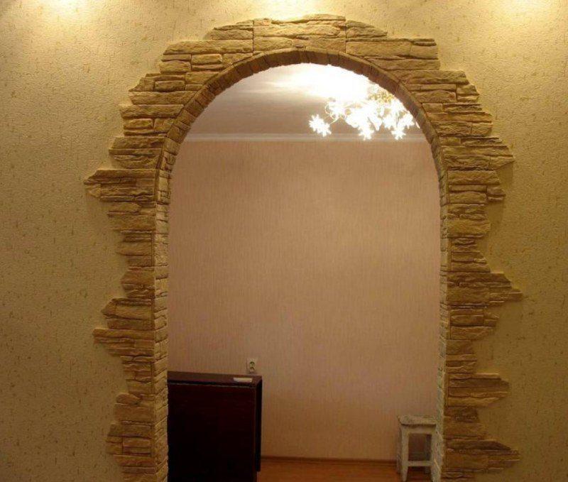 Отделка арки камнем