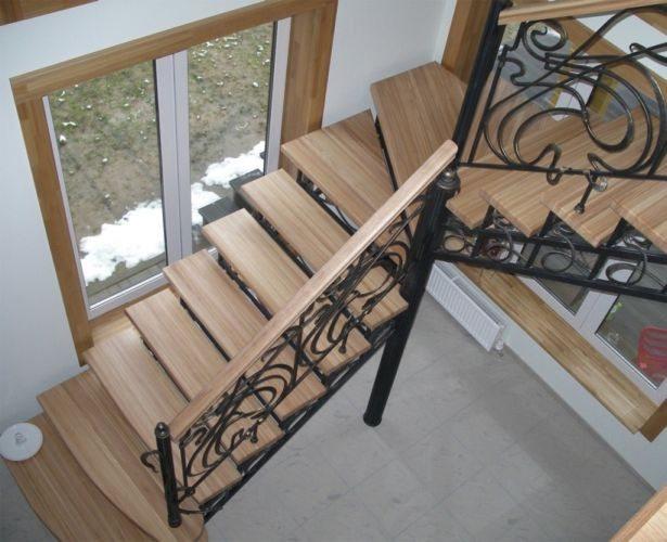 Деревянная конструкция с металлическими элементами