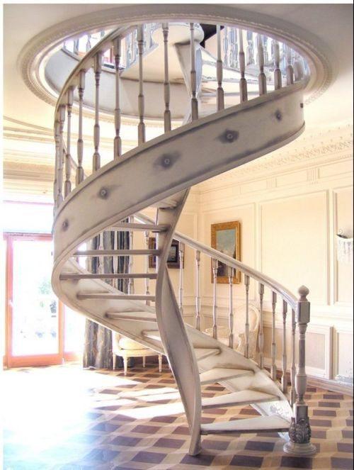 Одна из конструкций винтовых лестниц