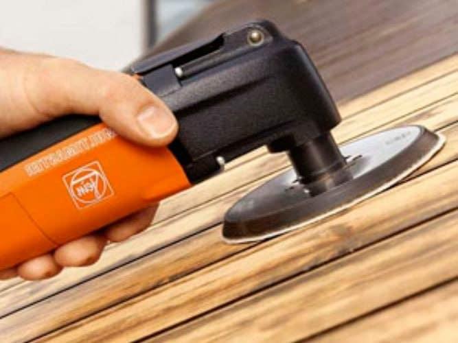 Очистка деревянной поверхности