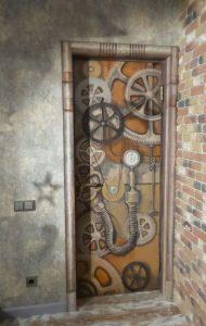 Дверь с росписью