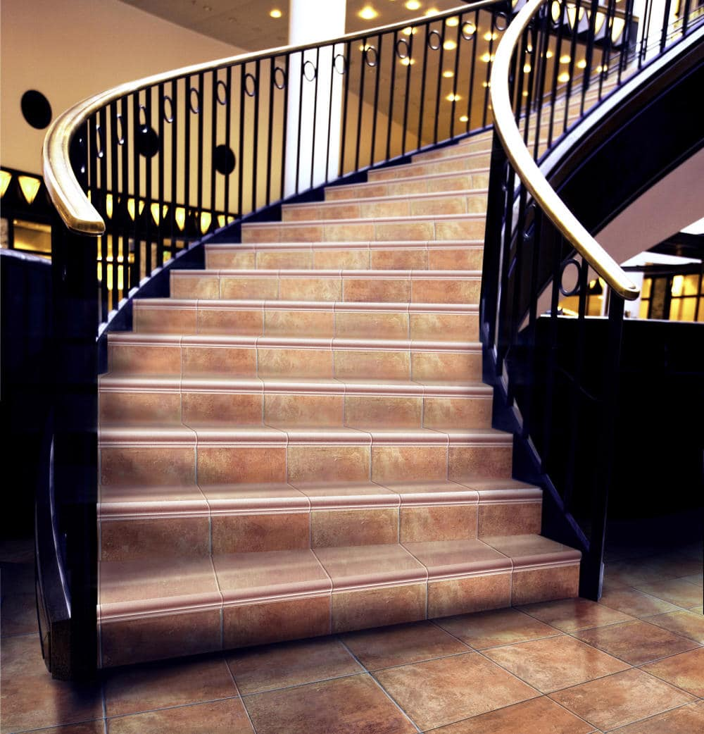Лестница с керамическими ступенями