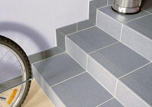 Стандартные наборные ступени из мелкой плитки
