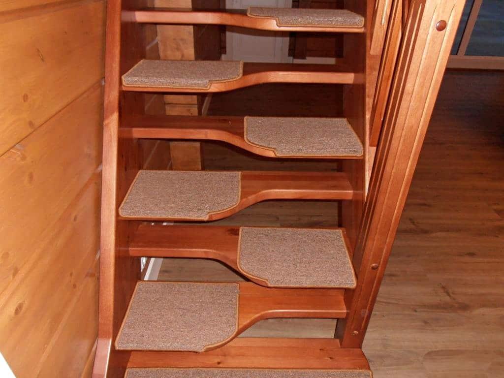 "Лестница типа ""Гусиный шаг"""