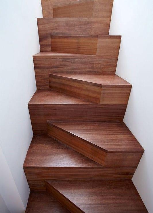 "Трапециевидная лестница ""Гусиный шаг"""