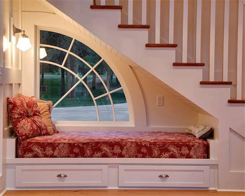 Кровать под маршем