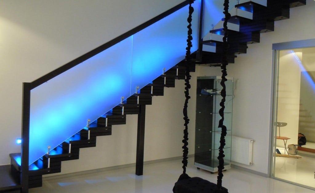 Подсветка стекла синяя